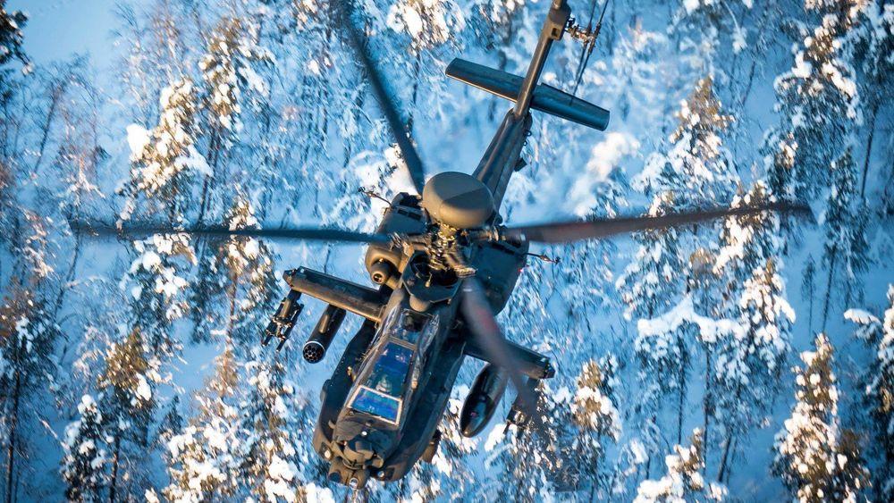 Britisk Apache AH1 kamphelikopter over Indre Troms for noen dager siden.