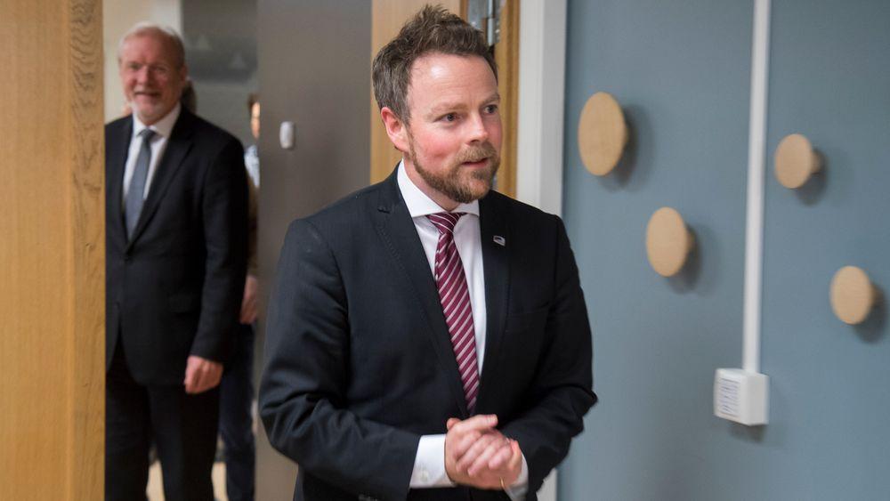Nærings- og fiskeridepartementet gir driftskonsesjon for den omstridte gruvedriften på Nussir-feltet i Kvalsund i Finnmark.