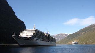 Cruise uten eksos er utopi, sier de store. Mulig i 2030, sier Viking