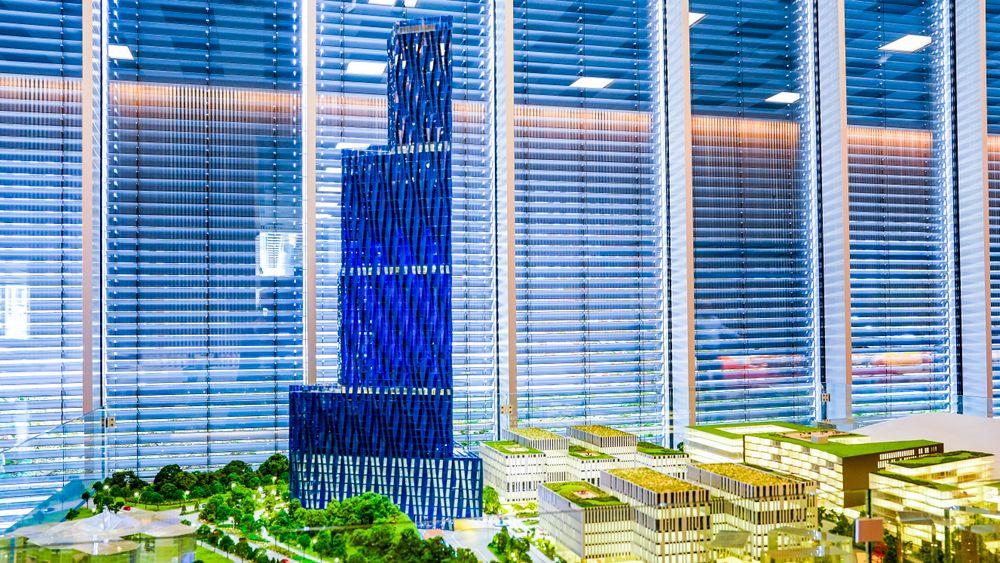 En modell av den 200 meter høye bygningen til Kjell Inge Røkke som skal huse World Ocean Headquarters (WOH), et verdensledende havsenter.