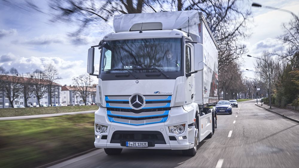 Mercedes-Benz eActros skal levere varer i et nytt testprosjekt.