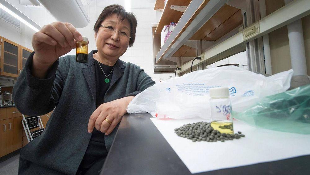 Forskere forvandler plast til drivstoff