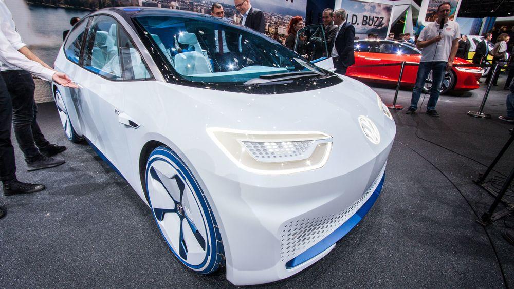 Volkswagen ID vist frem på bilmessen i Geneve i 2018.