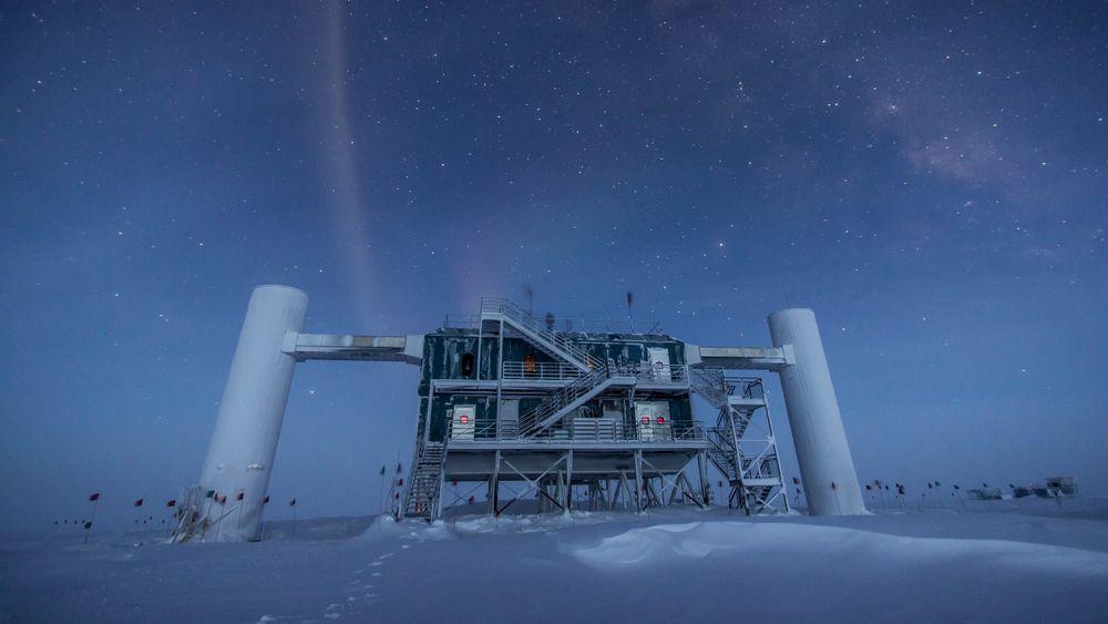 IceCube-detektoren stod ferdig til bruk ved den amerikanske basen ved Sydpolen i 2010, og har gitt muligheten til mange andre vitenskapelige oppdagelser.