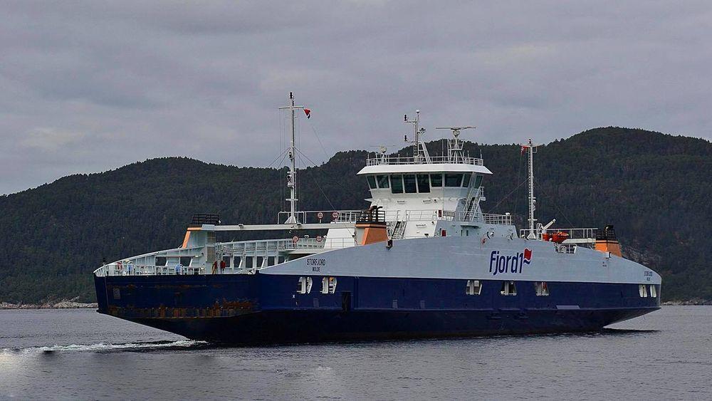 MF Storfjord er bygget i 2011 og har plass til 122 biler og 292 passasjerer. Før 2020 blir fergen elektrisk.
