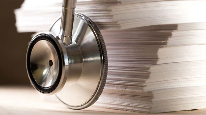 Ved Oslo Universitetssykehus jobber 30 personer på heltid med å skanne dokumenter