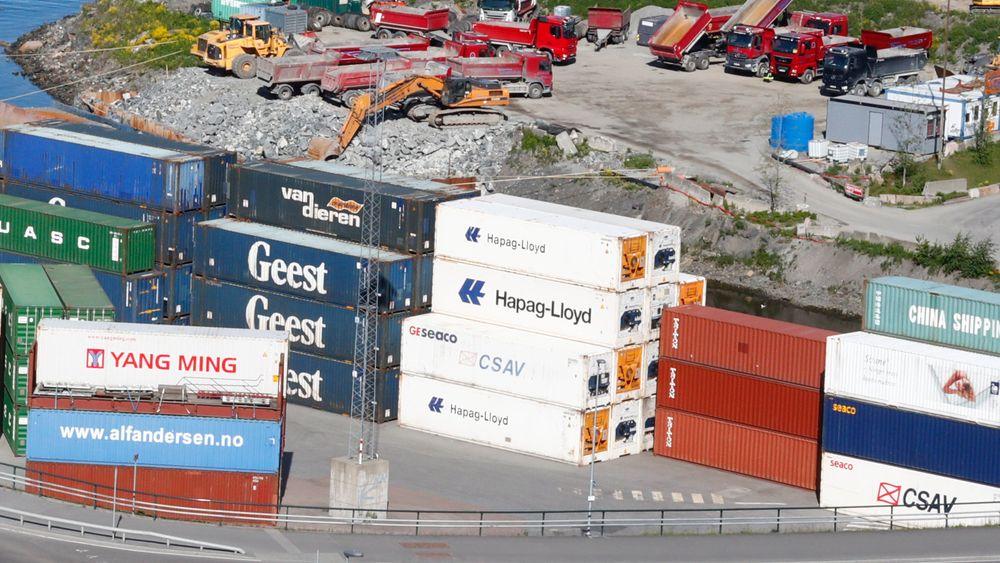 Flere utenlandske vinningskriminelle har gått over fra boligtyverier til konteinertyverier, mener politiet.