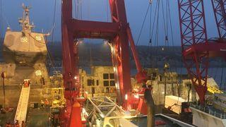 Skal 7,5 meter opp: Helge Ingstad heves 30 centimeter i timen