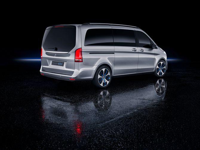 EQV er en bil med mye plass, enten det er snakk om folk eller ting.
