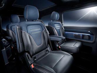 Bilen kan utstyres med til sammen åtte seter.