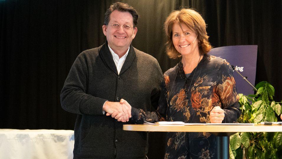 8b47cdff Harald Strømme i Good Game og Åsne Havnelid i Norsk Tipping signerte  tirsdag en samarbeidsavtale.