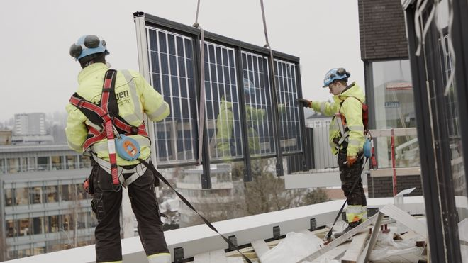 Solcelle-rekkverk er perfekt for norske forhold - dette er årsakene