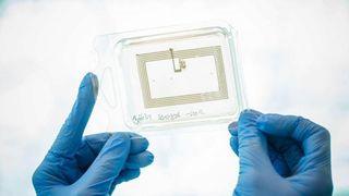 Skriver ut elektronikk med nanoblekk av kobber