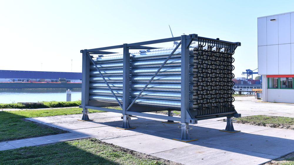 Den termiske batterimodulen til Energynest på utstilling i Europoort, Rotterdam. Den har en energilagringskapasitet på inntil 2 MWh (termisk).