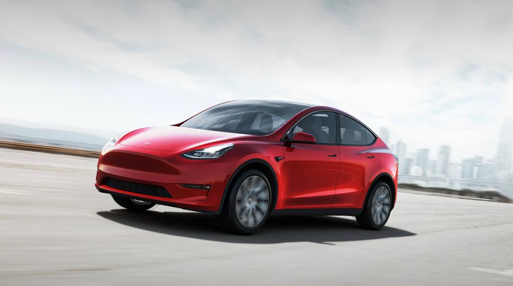 I natt introduserte Elon Musk Tesla Model Y introdusert til menigheten på Teslas designsenter i Hawthorne, California. Bilen kan bestilles allerede nå.