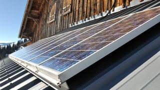 Venstre vil ha krav om solcellepanel på hyttetak
