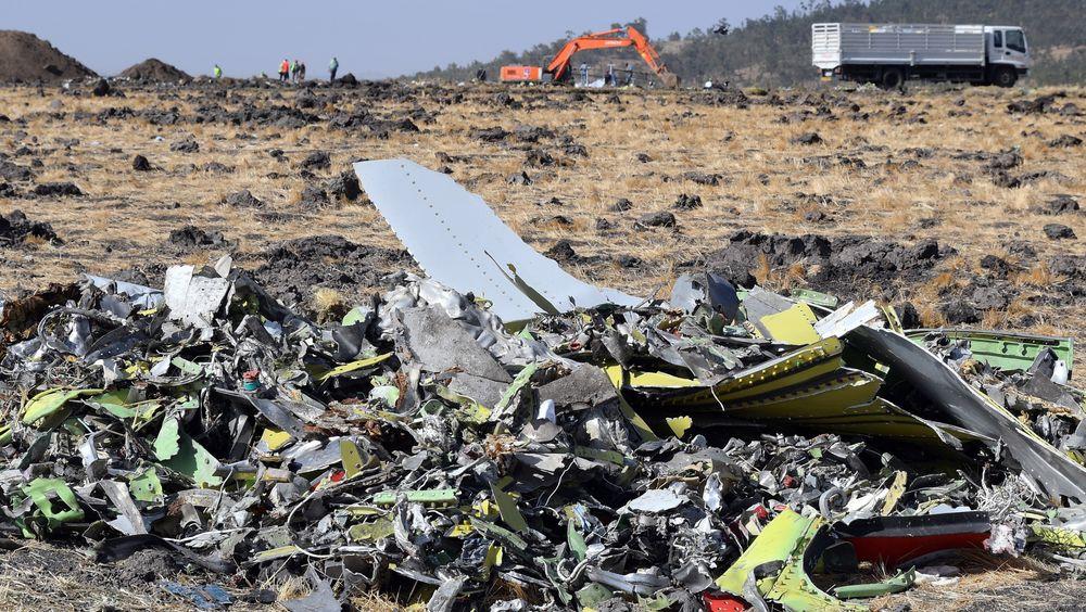 Vrakdeler fra Ethiopian Airlines Flight 302 ved Bishoftu, cirka 60 kilometer sørøst for Addis Abeba.