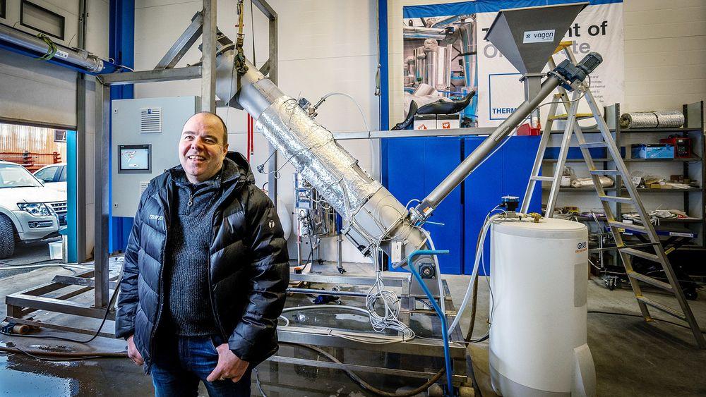 – Det er utrolig kjedelig å gjøre rent når man brygger, sier Erik Michelsen. Med denne installasjonen mener han å ha løst problemet.