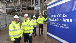 Gir negative utslipp: Dette anlegget fanger CO2 fra røykgassen til ren biomasse