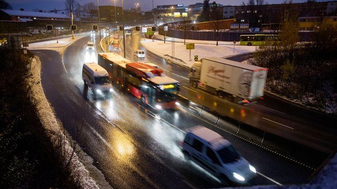 SSB: I fjor ble 14 prosent av bilkjøringen i Norge gjort med elbiler eller hybrider