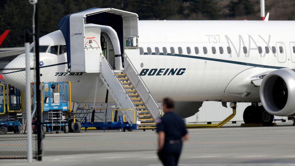 Boeing har invitert til informasjonsmøte om modellen 737 MAX, noe som kan være et tegn på at oppdateringen av programvareproblemene som har ført til at flymodellen er satt på bakken etter to store ulykker på kort tid.