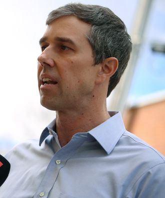Presidentkandidat for Demokratene, Beto O'Rourke, intervjues i Mount Pleasure, Iowa, den 15. mars 2019.
