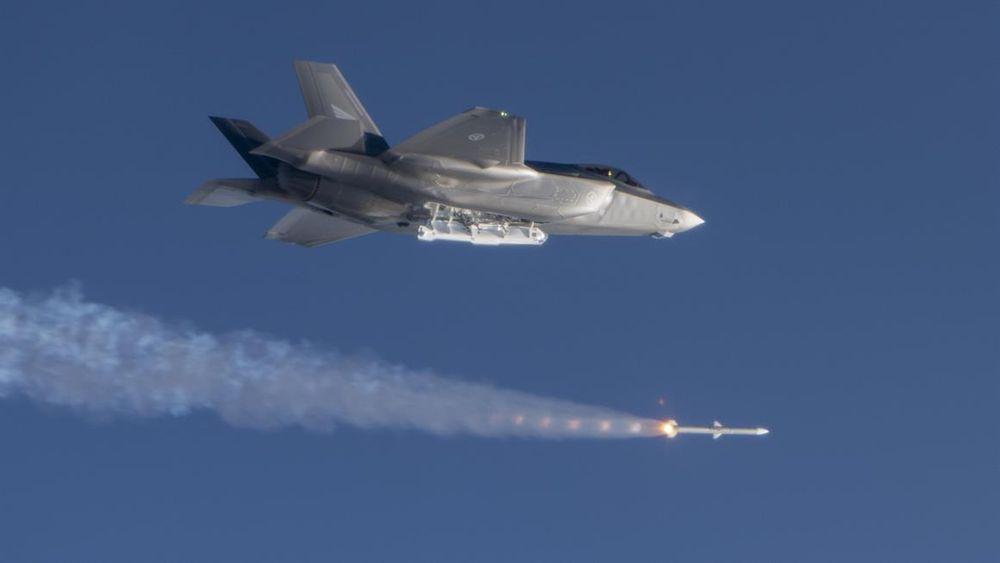 Første skarpskyting med luft-til-luft-missilet AIM120 Amraam fra F-35 i Norge, ved Halten skytefelt i mars som del av OT&E.