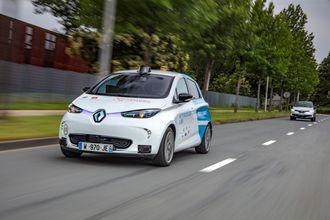 En autonom eksperiment-Zoe i Frankrike. Fremtidige versjoner av Zoe får flere førerstøttesystemer enn i dag.