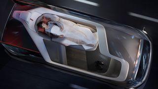 Hvordan skal bilbeltet være hvis ingen i bilen sitter vendt framover?