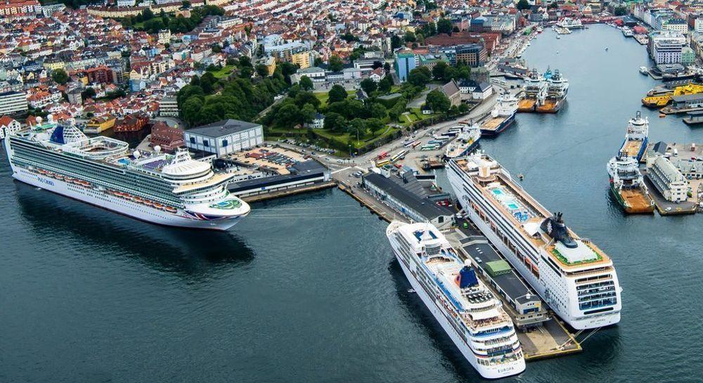 Bergen havn er den første i Norge som kan tilby strøm for hotelldrift og lading til kystruteskipene.