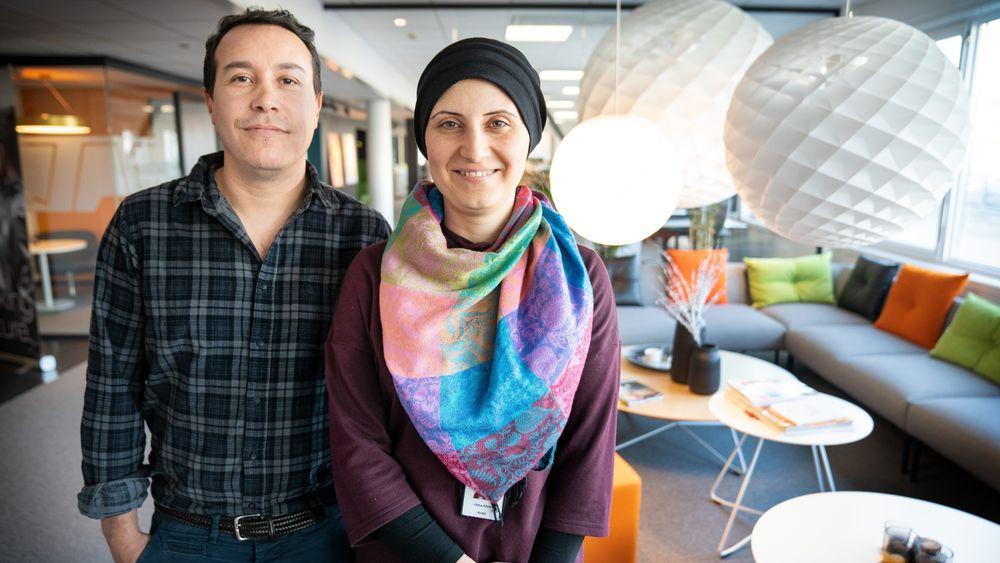 Julian Andres Larrarte  og Heba Arabi er sivilingeniører med praksisplass i ÅF. Høsten 2018 startet første kull med 12 flyktninger og innvandrere med ingeniørutdanning på en ettårig videreutdanning ved OsloMet.