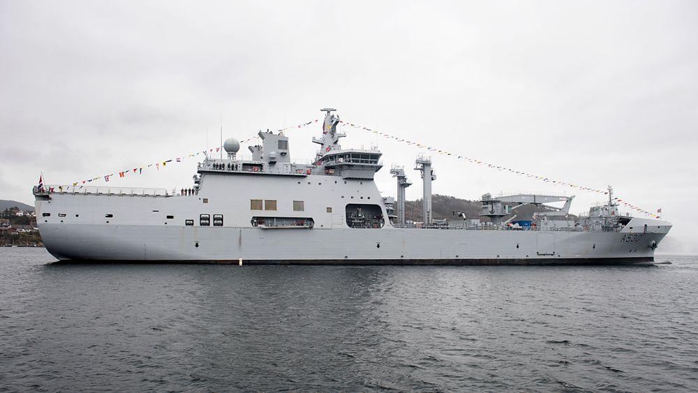 Det nye logestikkfartøyet KNM Maud ankom fredag  Sjøforsvarets hovedbase, Haakonsvern.
