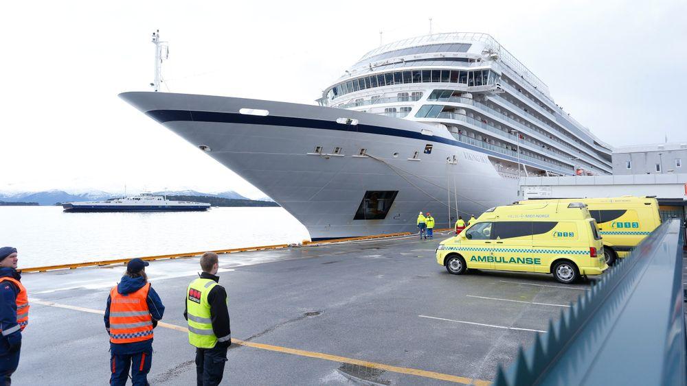 Viking Sky skal være ferdig reparert og klar for å seile fra Kristiansund til København. Bildet er fra da cruiseskipet ankom Molde etter problemene som oppstod over Hustadvika i Møre og Romsdal.