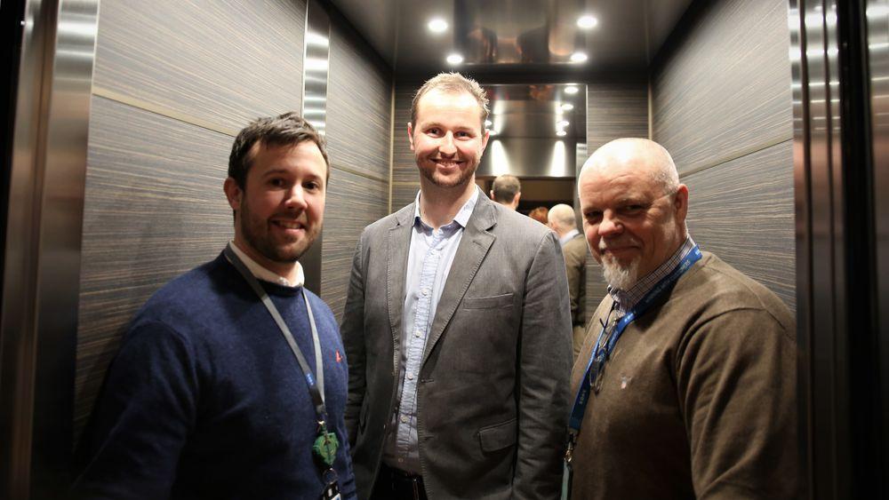 Christopher Friessnegg (Kone), Robert Skramstad (Malling) og Henrik Wergeland (Kone) var naturlig nok blant de første som fikk prøve den nye heisen.