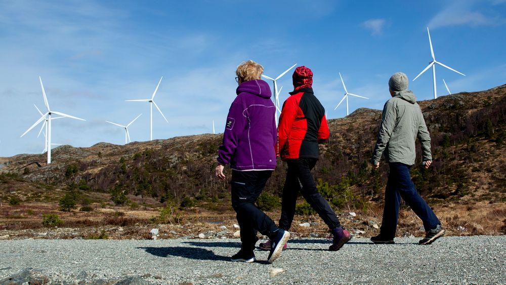 NVE har pekt på 13 områder i Norge som mest egnet for utbygging av vindkraft på land, noe som ikke tas like godt imot i alle berørte kommuner. Her fra Midtfjellet vindpark i Fitjar kommune.