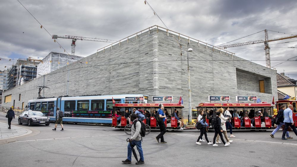 Nasjonalmuseet får nye 10 millioner til å dekke uforutsette kostnader.