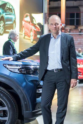 Jörg Beyer har troen på de nye ladbare hybridene Ford Explorer og Ford Kuga.