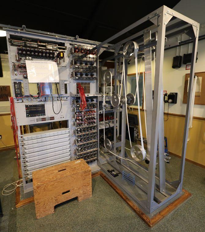 Den rekonstruerte Heath Robinson-maskinen ved The National Museum of Computing i England.