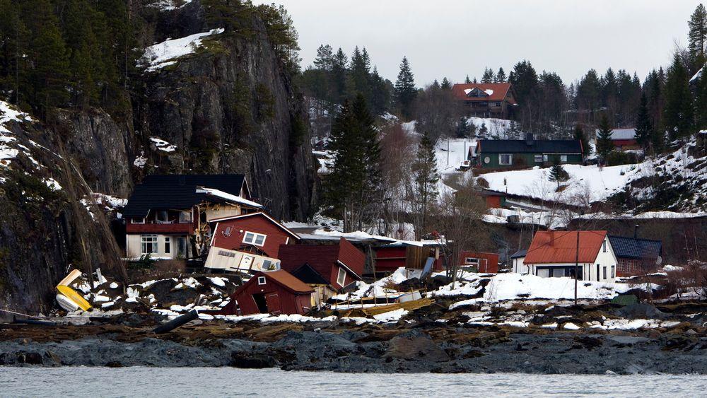 NVE vil kartlegge kvikkleire på Vestlandet. Bildet viserde ødelagte husene etter et kvikkleireskred i Namsos i 2009.