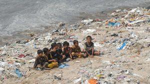 Plastic_beach.300x169.jpg