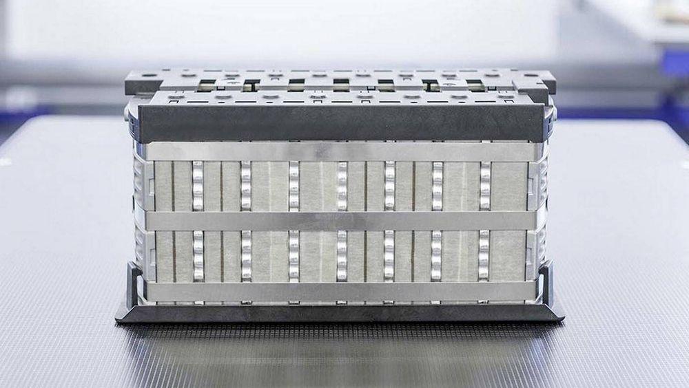Innolith hevder de har klart å pakke mer energi i batteriet sitt ved å bytte ut de organiske komponentene i elektrolytten med mer stabile ikke-organiske stoffer.