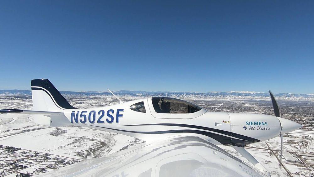 eFlyer 2-prototypen på testflygning i nærheten av Denver.