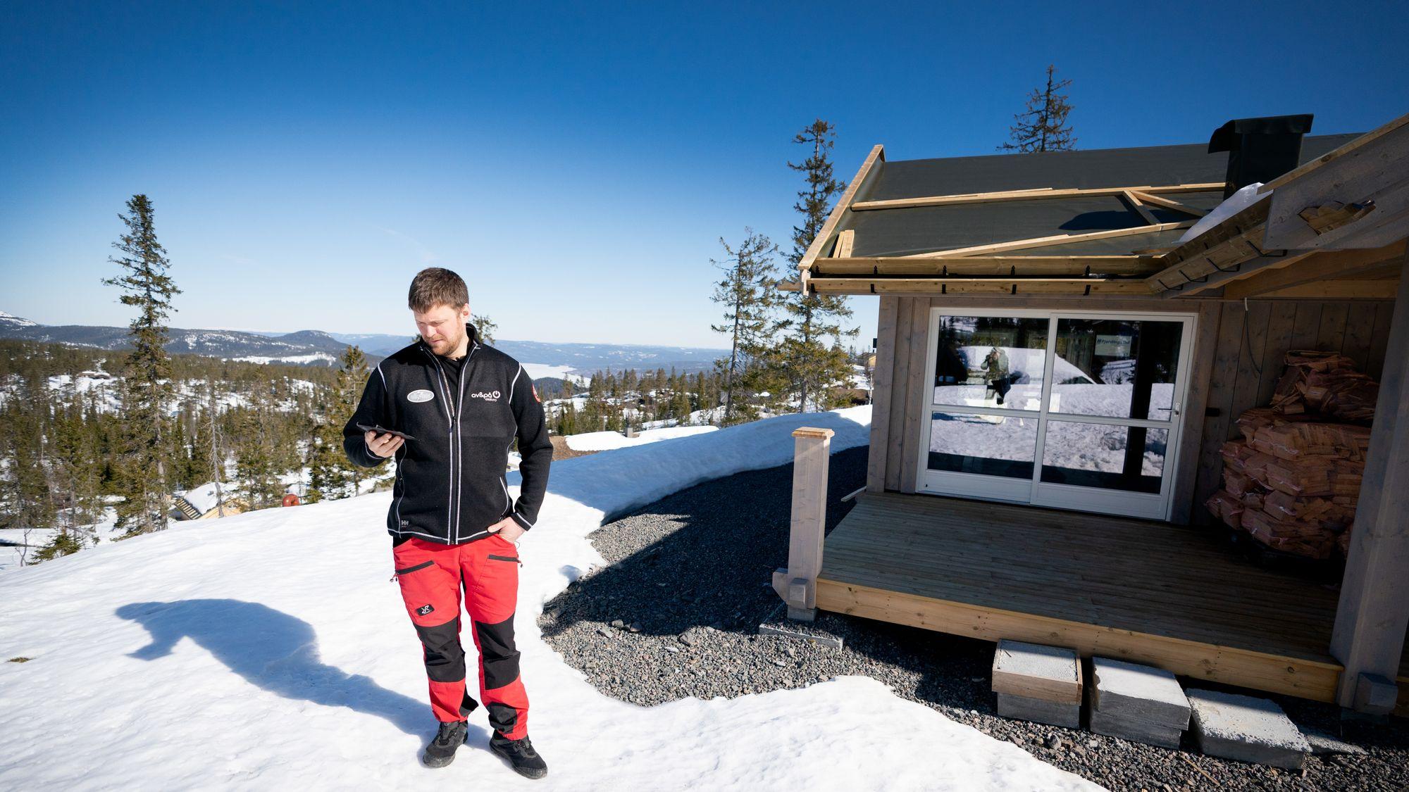 Cabin of the future: solar cells, battery, remote