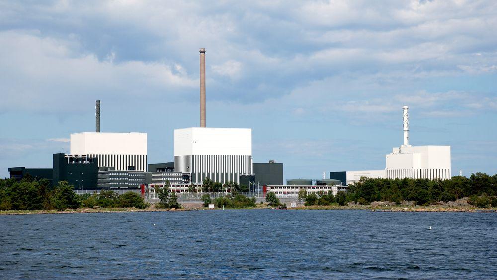 Oskarshamn (bildet) og Ringhals Kjernekraftverk ble tvunget til å dra ned sin effekt på grunn av et kraftnett i ubalanse. Slike hendelser kommer vi trolig til å oppleve flere av, ifølge Statnett.