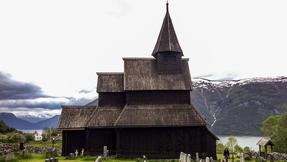 Urnes stavkirke i Sogn og fjordane er landets eldste stavkirke. Den er også på UNESCOs verdensavliste, og brannsikres av COWI.
