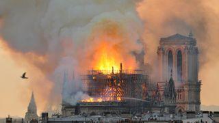 Brannekspert: Røykgass-eksplosjoner kan ha gjort Notre-Dame-brannen katastrofal