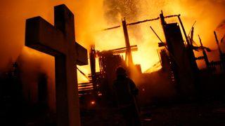 Mange mangler slokkeanlegg: Regjeringen varsler strategi for sikring av norske kirker