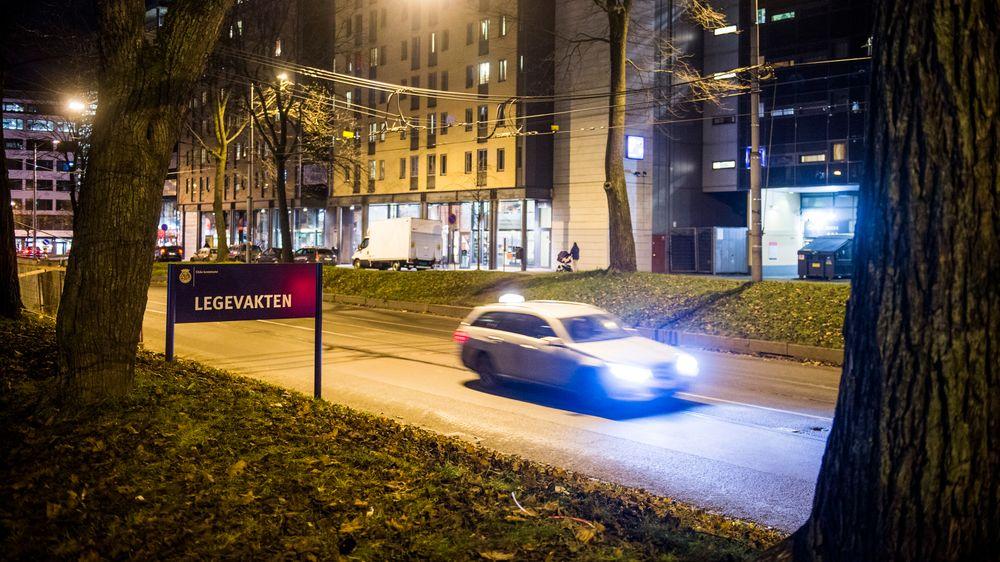 Fra neste år kan dagens fysiske taksametre erstattes med en app. Næringsminister Torbjørn Røe Isaksen sier det kan bidra til lavere taxipriser.