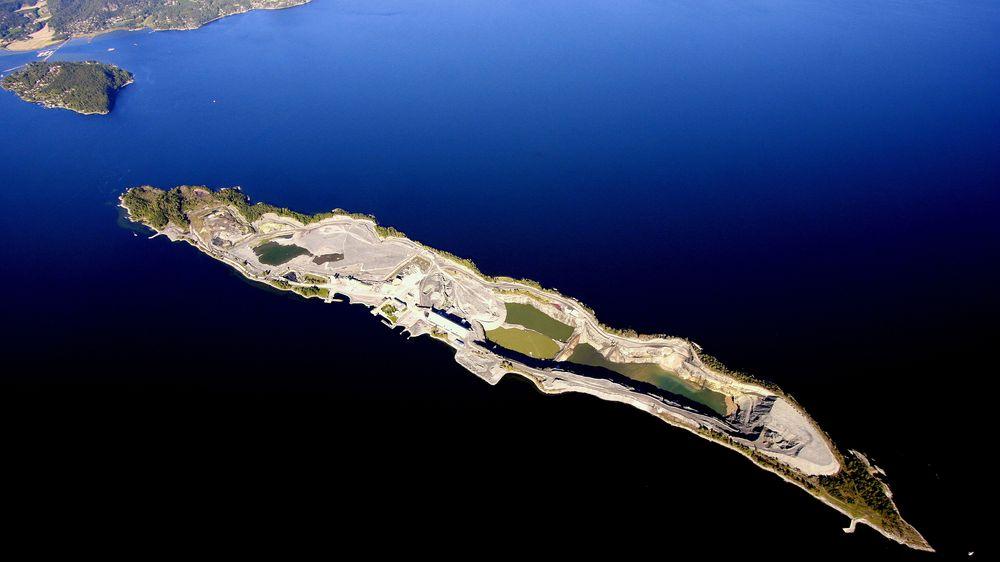 Deponiet for spesialavfall på Langøya i Telemark er snart fullt. NOAH ønsker å drifte et nytt deponi i samme område, men Nesset i Romsdal er også en aktuell plassering.
