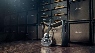 Ingeniører: – Vi har konstruert en gitar som det er helt umulig å smadre
